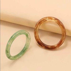 5/$12💞 2Pc Acrylic Ring Set